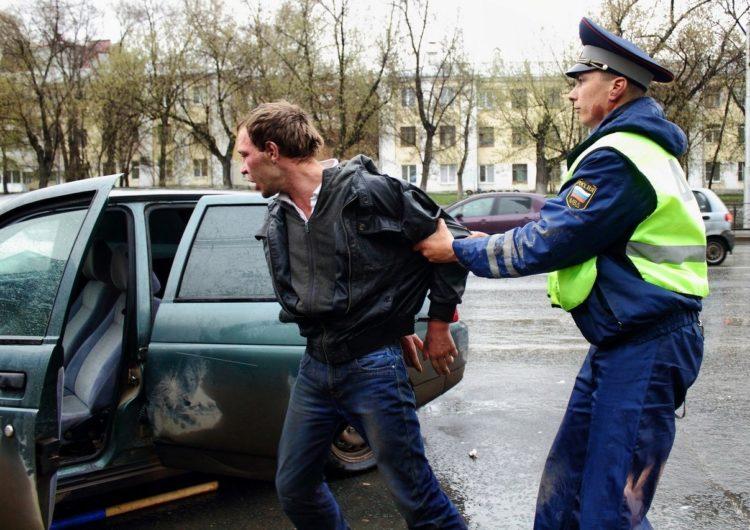 Пьяный угонщик спасал мир, а в итоге сам теперь нуждается в защите адвоката