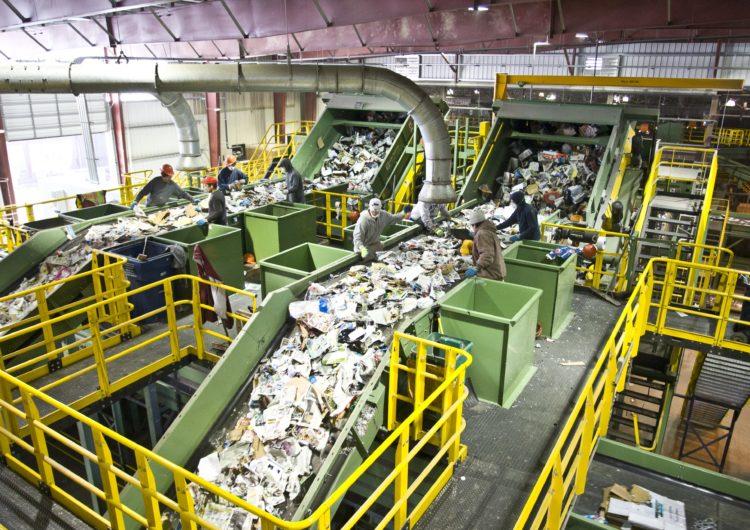 11 комплексов переработки отходов запустят в Московской области