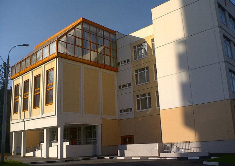 Карантин по кори установили в двух школах Москвы