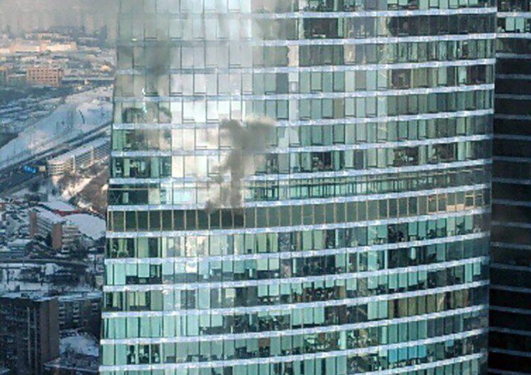 Спустя ровно шесть лет в «Москва-Сити» опять загорелась башня
