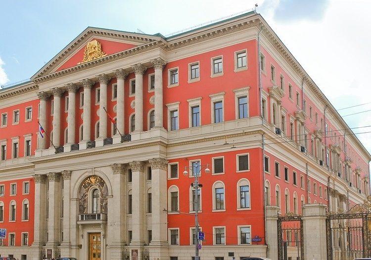 Правительство Москвы назначит ежемесячные компенсации детям погибших в ЧП в Шереметьево