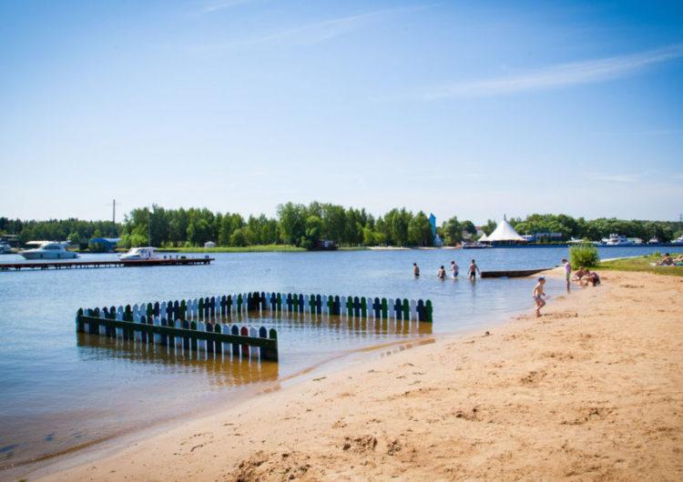 Москвичам сорвали отдых на Клязьминском водохранилище