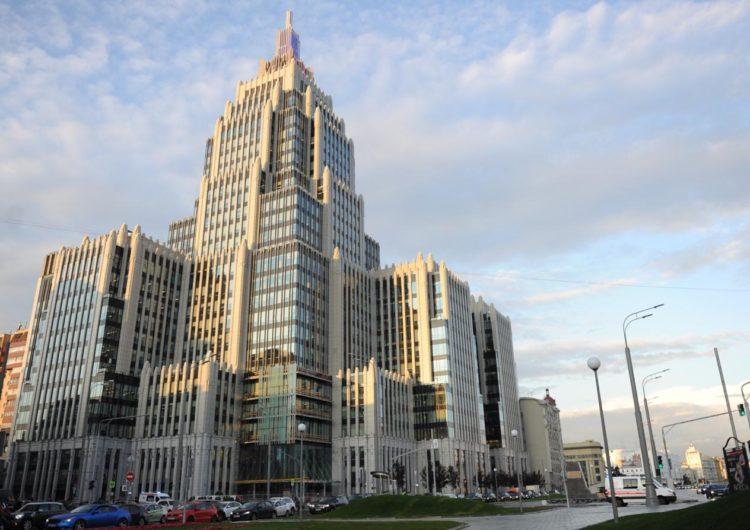 Сбербанк обучит финансовой грамотности участников программы «Московское долголетие»