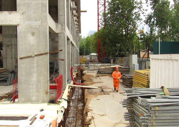 В Москве приняли первое обращение на завершение строительства без эскроу