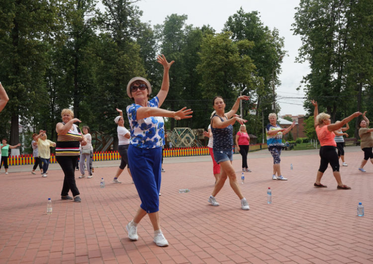 Балашихинские пенсионеры готовятся побить рекорд России по танцам
