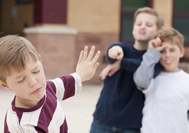 По проблеме травли учащихся в школах Подмосковья проведут опрос