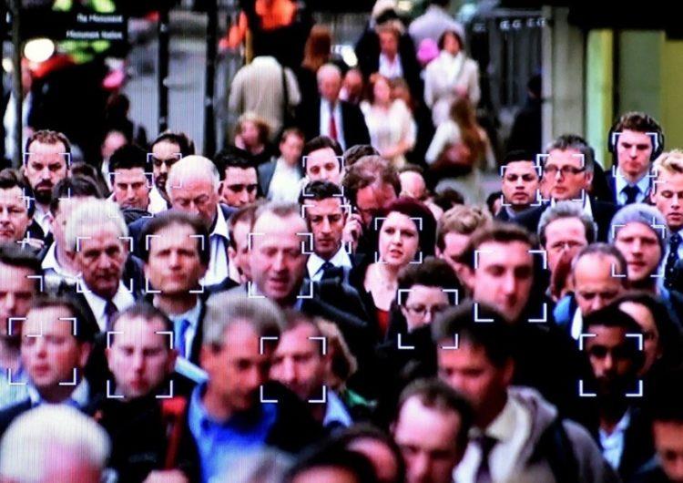 Распознавать лица прохожих начнут все 160 тысяч видеокамер Москвы