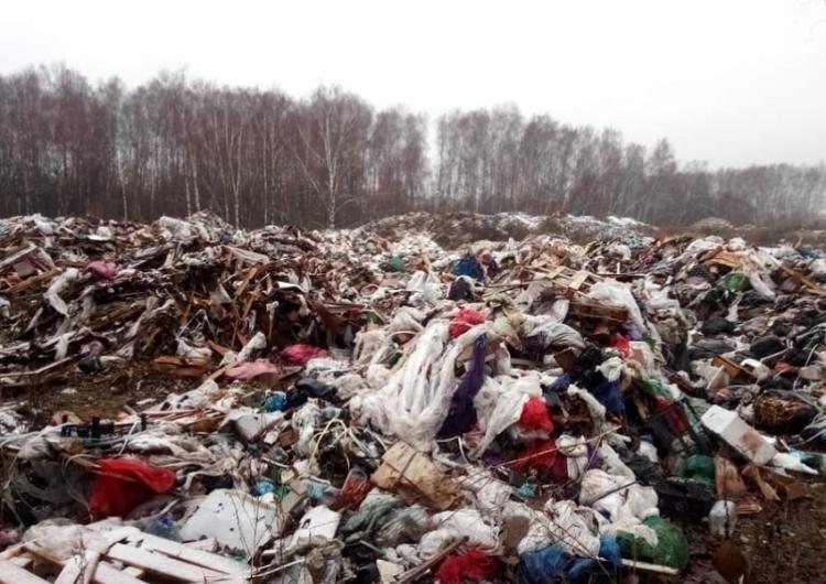 Жители Подмосковья вышли на круглосуточную охрану свалки от нелегалов
