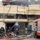 На разрастающемся пожаре склада в Москве отметили периодические взрывы