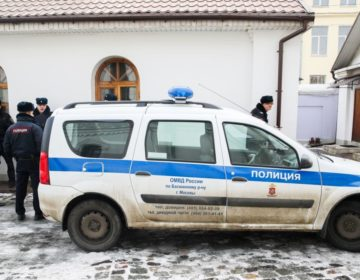 Напавшего с ножом на людей в московском храме арестовали на два месяца