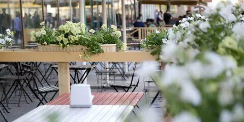 Собянин перенёс открытие летних городских кафе на 15 июня