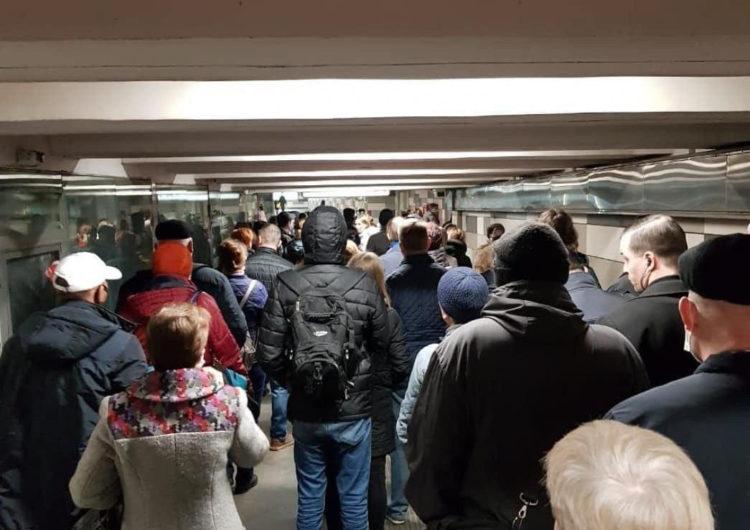 Собянин сообщил об устранении очередей в метро из-за пропусков