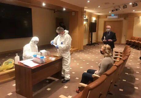 Депутаты Мосгордумы прошли тест на коронавирус