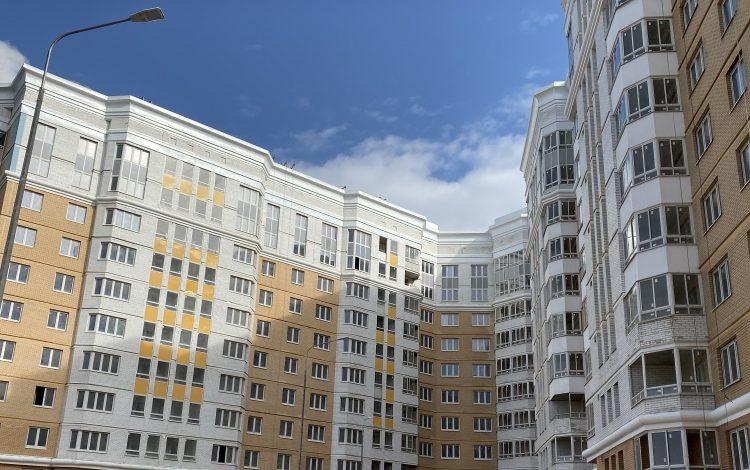 Достройка проблемного ЖК «Царицыно» продолжилась в рамках мер безопасности