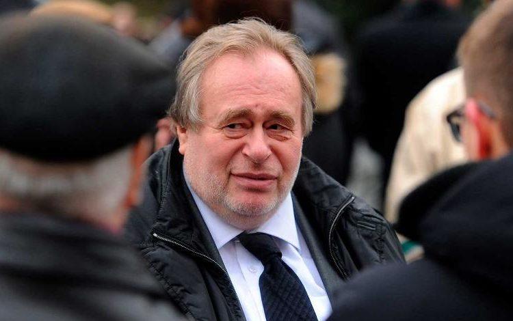 Вдова экс-министра попросила прокуратуру разобраться, почему мужа отключили от кислорода и оставили умирать