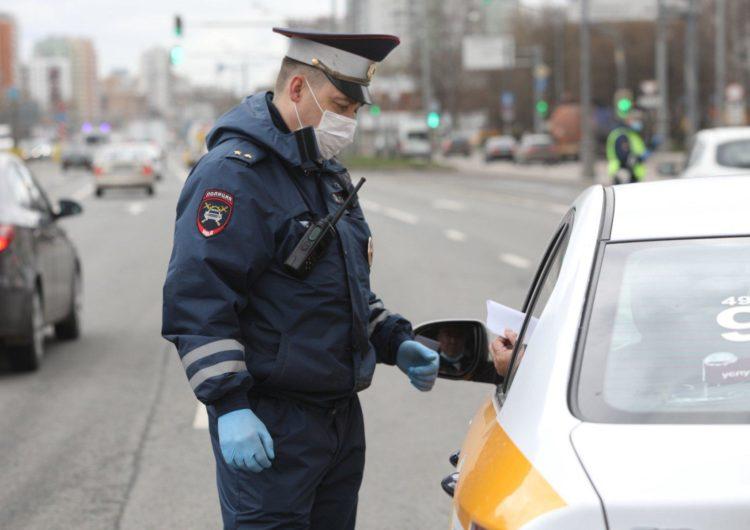 Московским водителям отменили почти 15 тыс. штрафов за ошибки в пропусках