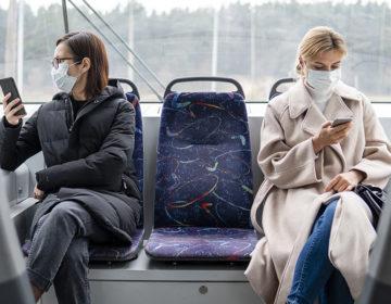 Более 96% пассажиров в Московской области соблюдают масочный режим