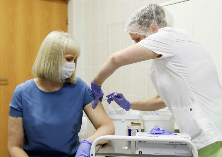 Собянин рассказал о самочувствии привившихся от коронавируса москвичей