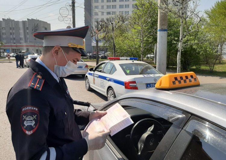 В Подмосковье за неделю выявили почти 90 таксистов, нарушивших правила перевозок