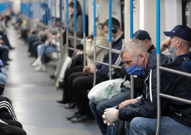 В столичном транспорте усилят контроль за соблюдением перчаточно-масочного режима