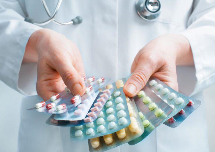 Власти Москвы подтвердили наличие запаса препаратов для лечения COVID-19