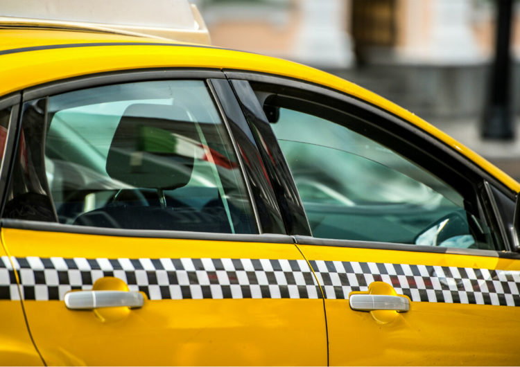 В Москве арестовали таксиста по подозрению в изнасиловании и ограблении пассажирки