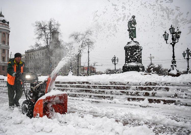 Синоптики пообещали москвичам снегопады к середине декабря