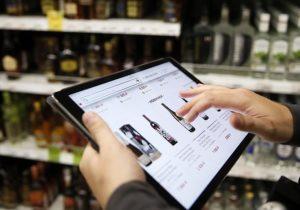 Ретейлеры попросили Собянина разрешить им онлайн-продажу алкоголя на праздники