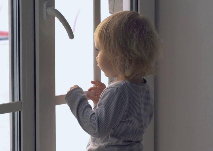 В Москве годовалая девочка два дня находилась в квартире с умершей матерью