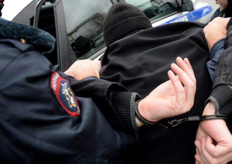 Суд объявил приговор обвиняемым в нападении на полицейского в Москве