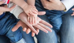 Воробьев распорядился информировать многодетные семьи о новых формах поддержки