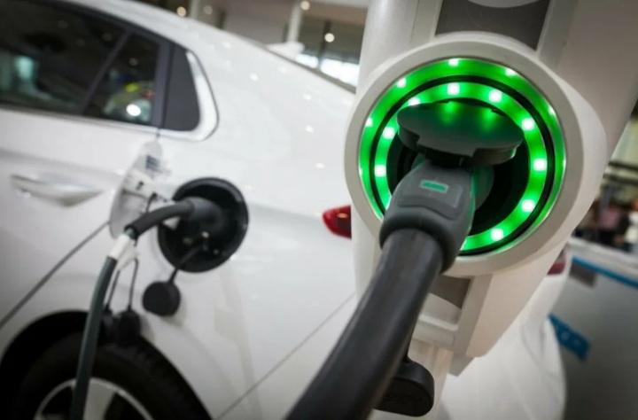 ЭЗС в лизинг: Сбербанк и «КОНТРОЛ Лизинг» призывают инвесторов поддержать развитие зарядных станций в России