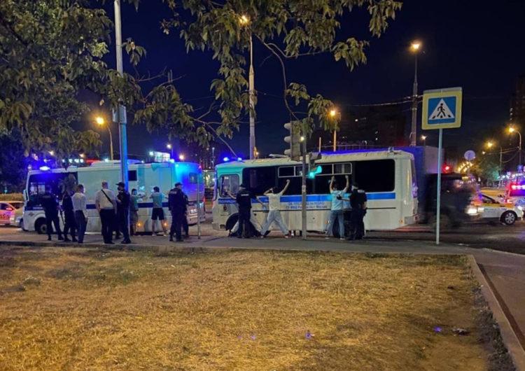 Участвовавших в драке в Кузьминке мигрантов арестовали за несанкционированное собрание