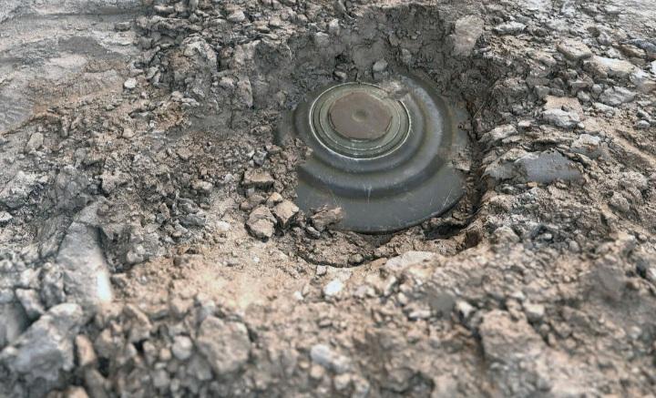 На съезде с МКАД на Носовихинское шоссе обнаружили мины времен Великой Отечественной войны
